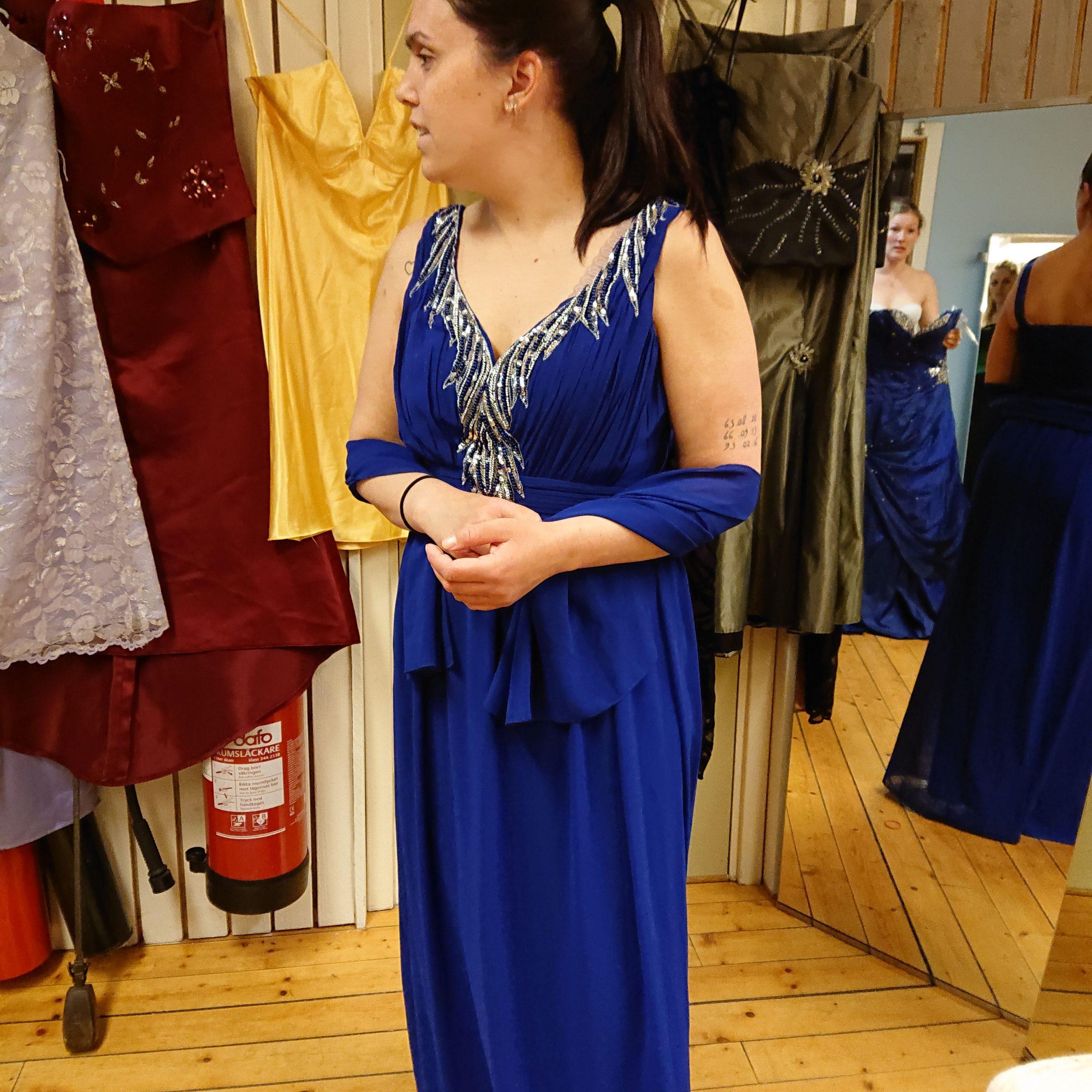 Mikaela annan blå